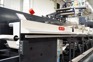 Announcing the 'FA-17' iPad-controlled flexographic label machine at Essentra Lublin