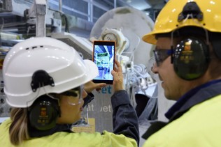 Stora Enso the first in the forest industry to utilise augmented reality and 5G technology in mill maintenance